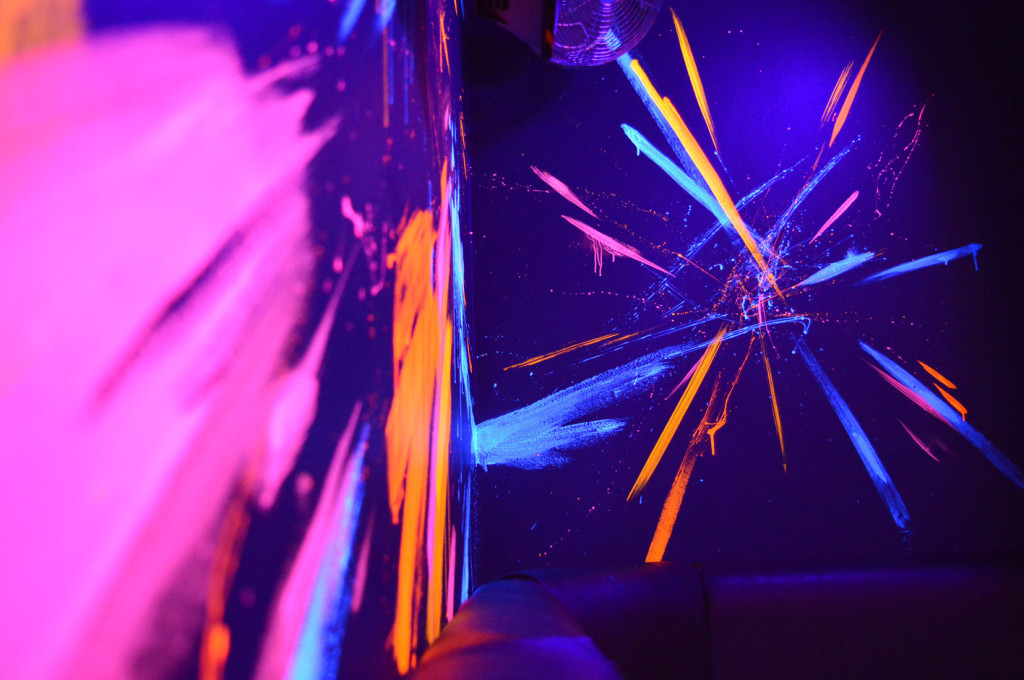Zoo_UV-Mural-nightclub-7