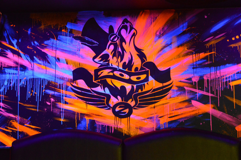 Zoo_UV-Mural-nightclub-9a